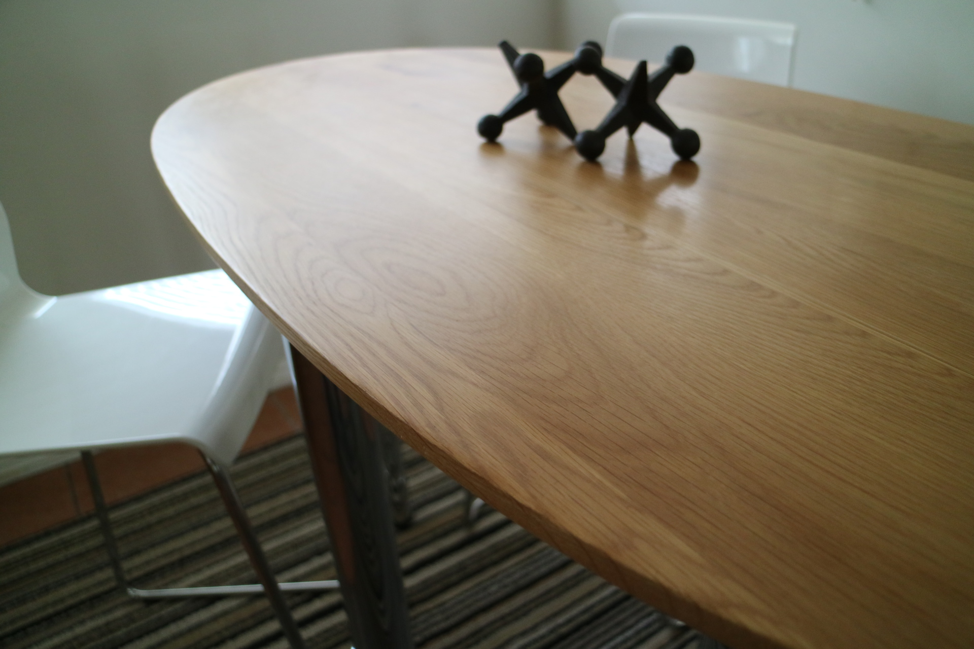 The Table with modern legs